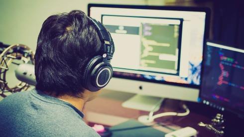 guy programming